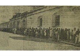 Comicios legislativos y municipales de 1961. Votantes en Belén. (Foto: Hemeroteca PL)