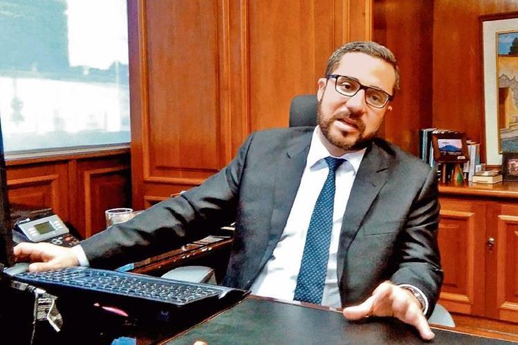 Jorge Stalling, gerente del Inde, analizó la situación del subsidio. (Foto, Prensa Libre: Rosa María Bolaños).