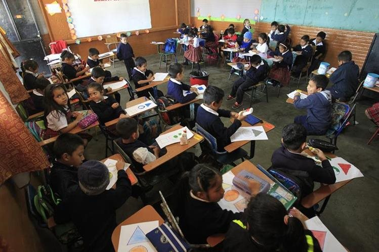 Falta de planificaci n en educaci n afecta a estudiantes for Mobiliario para estudiantes