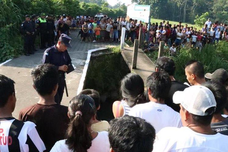 José Barreno Aguilar cae a río y muere en San Antonio, Suchitepéquez. (Foto Prensa Libre: Cristian Soto)