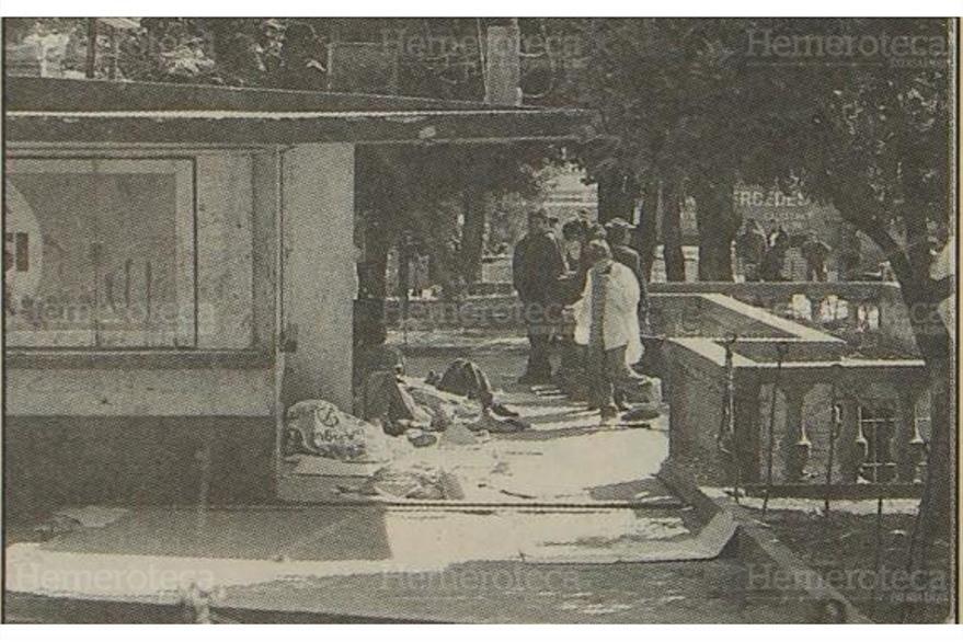 20/1/1997 Un grupo de indigentes y drogadictos pernoctaban en el Parque Concordia. (Foto: Hemeroteca PL)