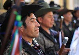 Dirigentes de comunidades indígenas intentaron entrar al Congreso de la República, durante una de las jornadas de discusión de las reformas constitucionales al sector Justicia. (Hemeroteca PL)