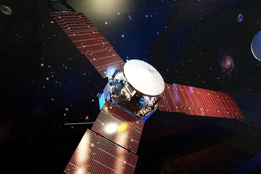 """Tres enormes páneles solares han captado la energía suficiente para que """"Juno"""" complete su misión. (Foto Prensa Libre: AP)."""