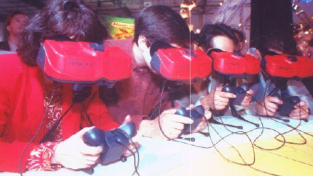 Nintendo se adelantó a su tiempo con su consola Virtual Boy. (GETTY IMAGES)