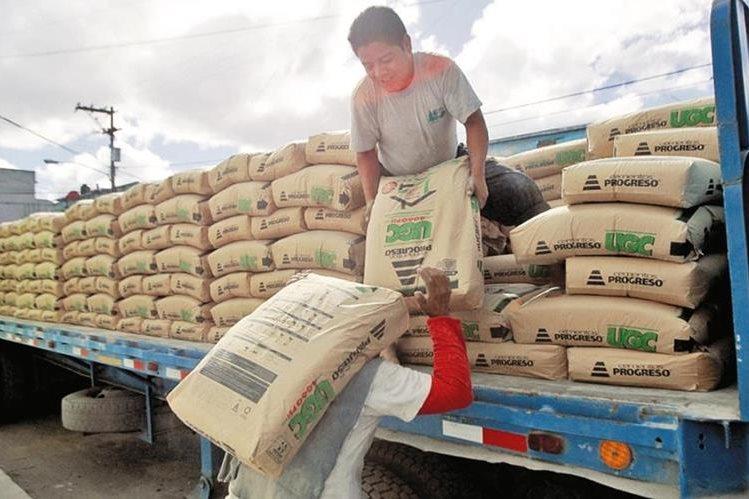Gobierno espera recaudar Q239 millones por insumo de construcción. (Foto Prensa Libre: Hemeroteca PL)