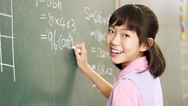 """Los padres pueden incentivar """"conversaciones matemáticas en casa"""". GETTY IMAGES"""