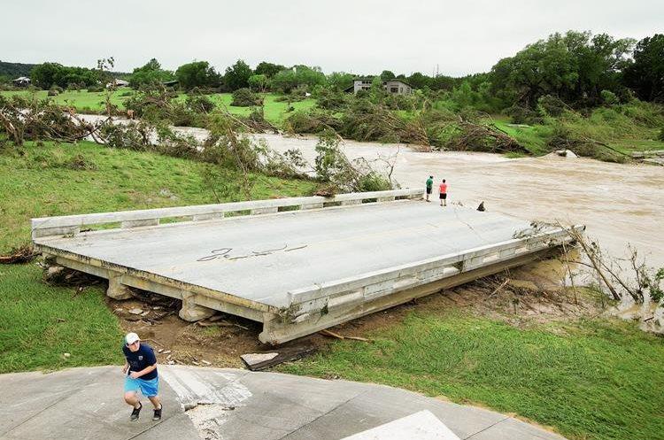 Localidades de Texas tuvieron daños por inundaciones.