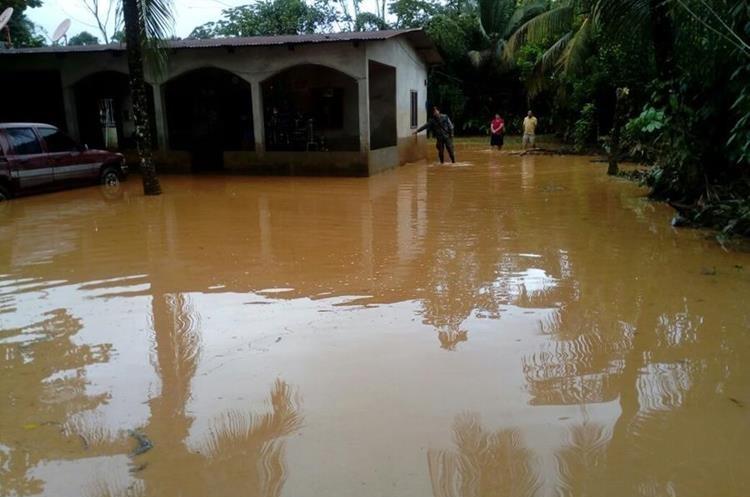 Las lluvias continuarán en Izabal indicaron autoridades del INSIVUMEH.