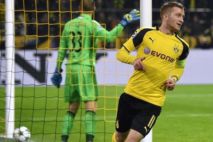 El jugador del Dortmund Marco Reus fue la gran figura del partido contra el Legia al anotar un triplete (Foto Prensa Libre: EFE)