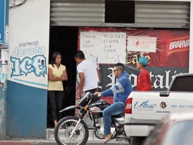 La mayoría de cafeterías y cantinas se ubican en la   zona 1 de Huehuetenango, en los alrededores del  palacio municipal.(Foto Prensa Libre: Mike Castillo).