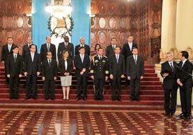 El Gabinete se integró por primera vez, luego de haber sido juramentado el pasado jueves. (Foto Prensa Libre: Hemeroteca PL)