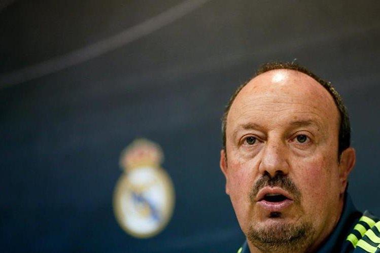 Rafa Benítez durante la conferencia de prensa, previo al partido de mañana del Real Madrid. (Foto Prensa Libre: EFE)