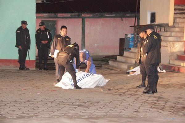 <p>Lugar donde fueron linchadas dos presuntas extorsionistas, en San Cristóbal Totonicapán. (Foto Prensa Libre: Édgar Domínguez) <br></p>