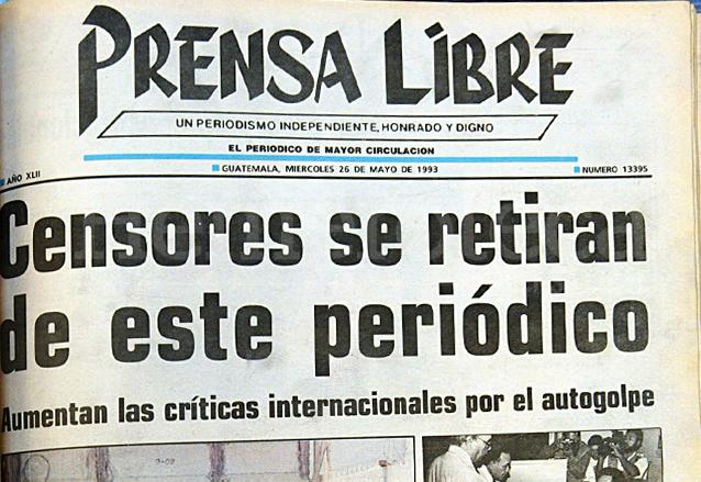 Portada de Prensa Libre del 26 de mayo de 1993 dando a conocer el intento de censura de la presidencia a este diario. (Foto: Hemeroteca PL)