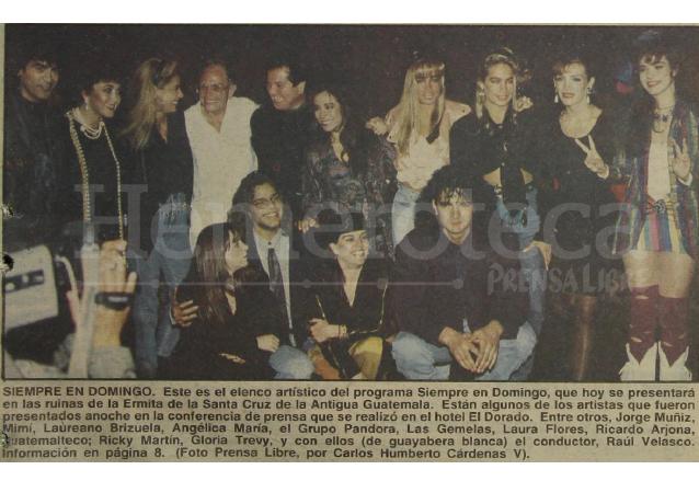 Detalle de la portada de Prensa Libre del 15 de enero de 1992 donde aparecen las estrellas a presentarse en el programa Siempre en Domingo transmitido desde Guatemala. (Foto: Hemeroteca PL)