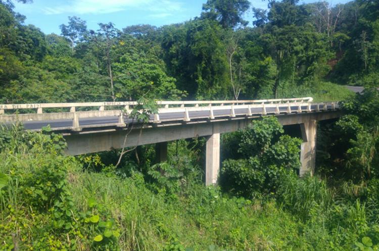 Puente Carmen de Mirón, Retalhuleu. (Foto Prensa Libre: Rolando Miranda)