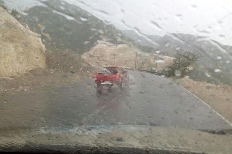 Insivumeh prevé lluvia para la tarde y noche durante la semana y recomendó al CIV hacer trabajos durante la mañana. (Foto Prensa Libre: Provial)