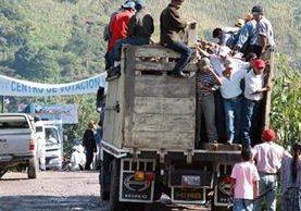 En El proceso electoral del 2011 fue común ver el acarreo de votantes, como ocurrió en Pocolá, San Pedro Carchá, Alta Verapaz.