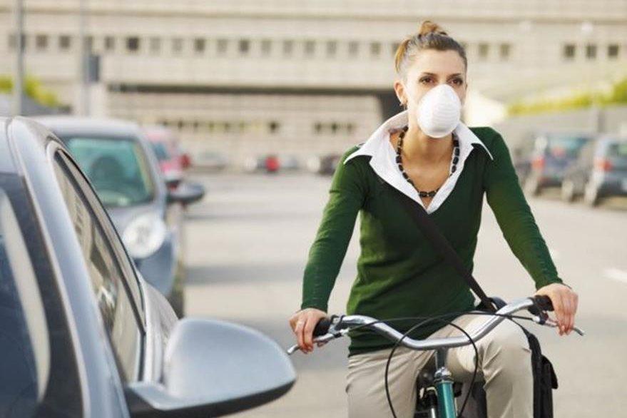 Es difícil evitar estar expuesto a la contaminación que hay en la ciudades. (THINKSTOCK)