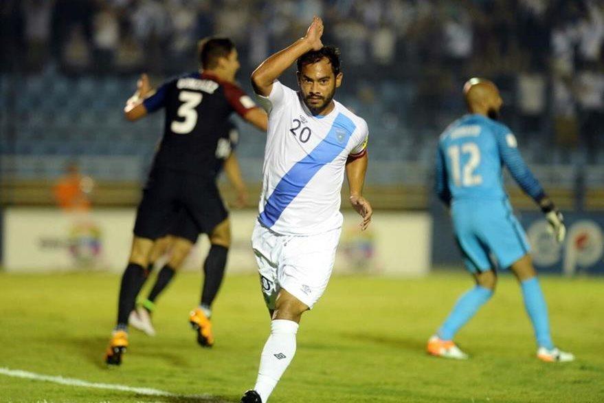 Carlos Ruiz anota su gol 60 con la Selección Nacional. (Foto Prensa Libre: Francisco Sánchez)