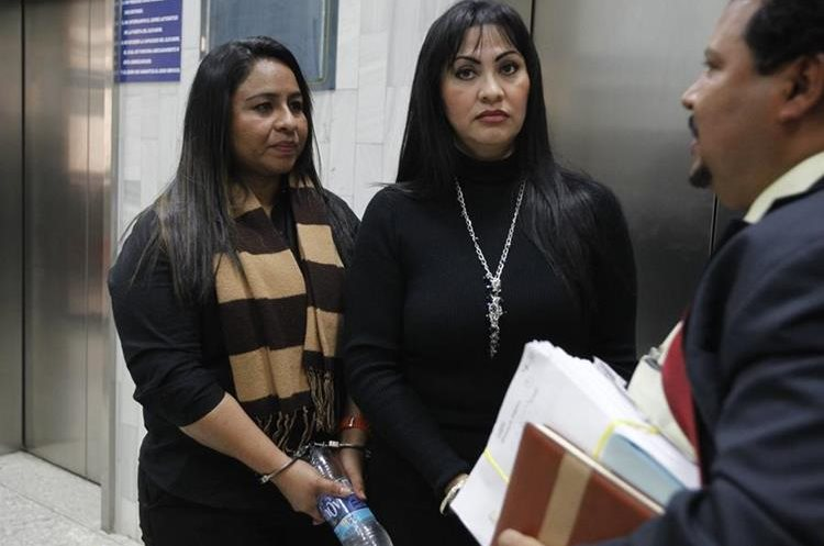 Sonia Lemus Vásquez y Marixa Lemus PŽrez, alias La Patrona, en Tribunales en diciembre de 2015. Acusadas de parricidio y asesinato.
