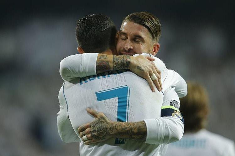 Cristiano Ronaldo y Sergio Ramos fueron incluidos en el once ideal de la primera jornada de la Champions League. (Foto Prensa Libre: AP)