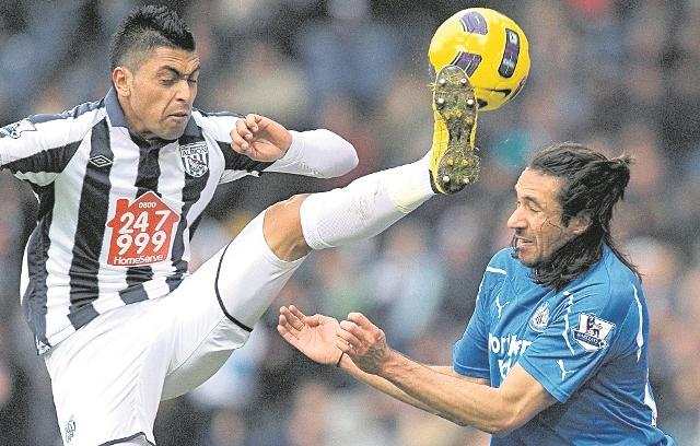 """El futbolista argentino Jonás Gutiérrez fue """"aislado"""" por el Newcastle tras ser diagnosticado un cáncer de testículo. (Foto Prensa Libre: AFP)"""