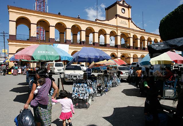 Plaza Cataluña, en San Juan Sacatepéquez. (Foto: Hemeroteca PL)