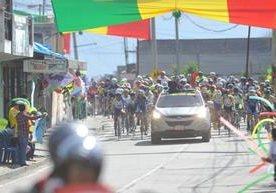 Con un circuito de siete vueltas se disputó este domingo la séptima etapa de la Vuelta Guatemala 2017.