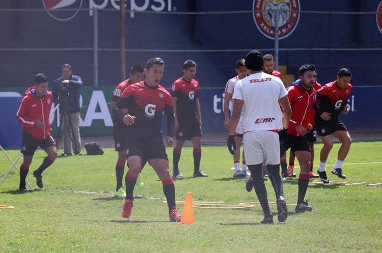 Los chivos cierran este viernes los preparativos para el juego del sábado a las 21 horas frente a Guastatoya en el estadio Mario Camposeco. (Foto Prensa Libre: Raúl Juárez)