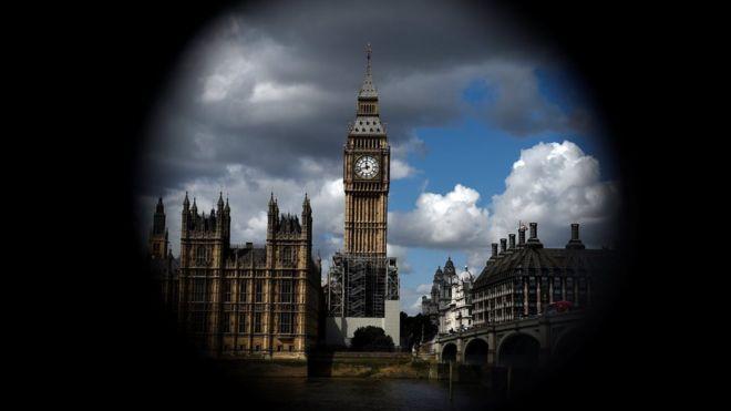 El Big Ben estará en reparación hasta 2021 y se silenciarán las campanas para proteger a los trabajadores. REUTERS