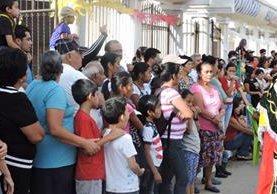 Habitantes de la colonia Primero de Julio disfrutan de distintas actividades. (Foto Prensa Libre: Comuna de Mixco).