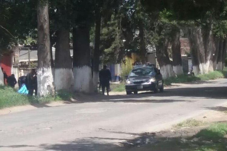 El ataque armado se registró en ruta entre Alameda y Parramos, Chimaltenango. (Foto Prensa Libre: Víctor Chamalé)