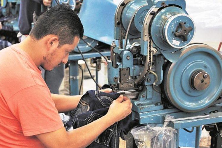 El gobierno costarricense impulsa un programa para combatir el desempleo. (Hemeroteca PL)