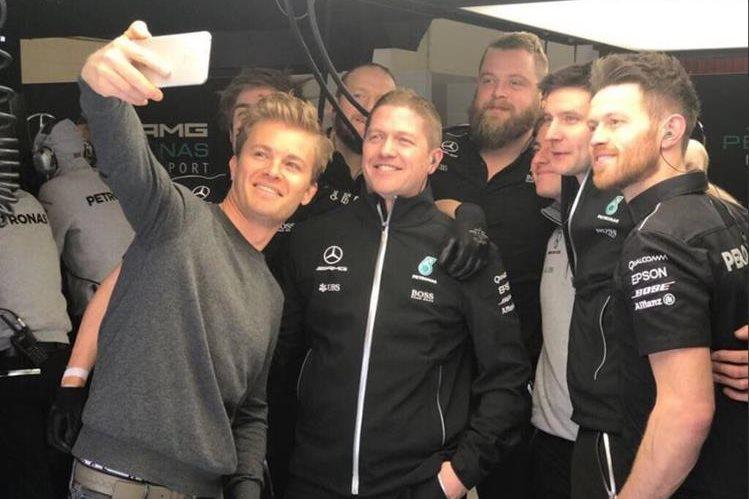 Nico Rosberg asegura que confía seguir en los carros como entrenador de pilotos jóvenes. (Fotos Redes).