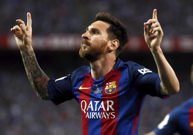 El astro argentino del Barcelona, Lionel Messi logró evadir la prisión por una multa económica. (Foto Prensa Libre: EFE)