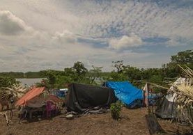 En la Democracia, Tenosique, Tabasco, México, viven las familias desalojadas. (Foto Prensa Libre: Rigoberto Escobar)