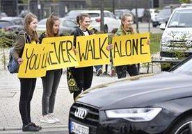 Seguidores del Mónaco y del Borussia Dortmund mostraron su solidaridad.