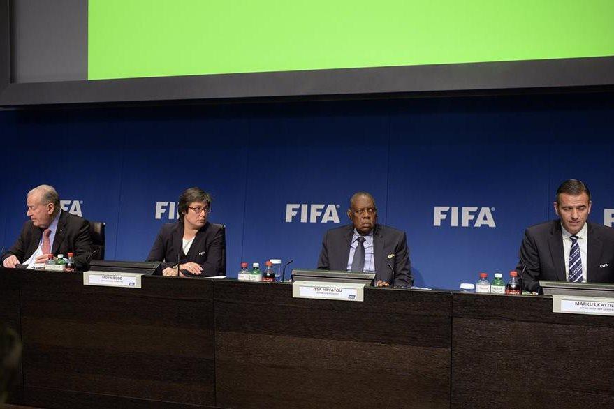 Los miembros del Comité Ejecutivo de la FIFA se reunieron en Zúrich y dieron a conocer los horarios del Mundial de Rusia 2018. (Foto Prensa Libre: AP)