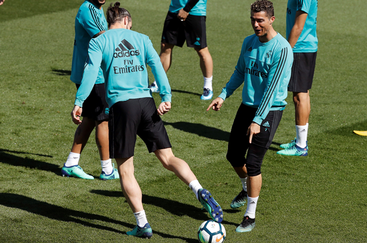 Cristiano Ronaldo producirá una serie sobre fútbol femenino para Facebook Watch