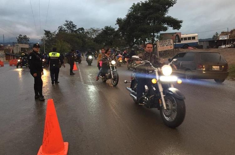 La entrada de motocicletas fue más ordenada que en años anteriores. (Foto Prensa Libre: Mario Morales)