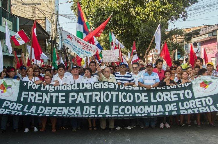 Intentan toma de helipuerto en protesta por explotación privada de crudo en Perú (Foto Prensa Libre: EFE)