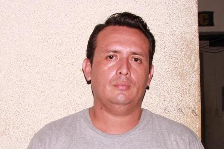 Carlos Armando Chocojay es sindicado del robo de dinero. (Foto Prensa Libre: Enrique Paredes).
