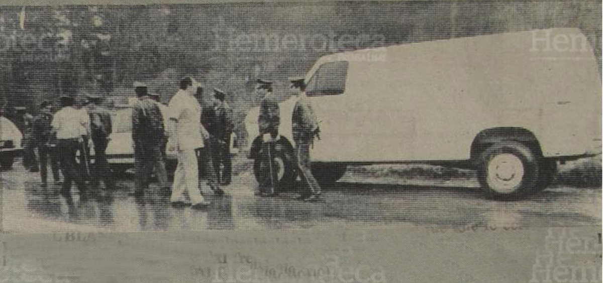 11/03/1988 La Panel Blanca, interceptada en el km 12 de la ruta a El Salvador. (Foto: Hemeroteca PL)