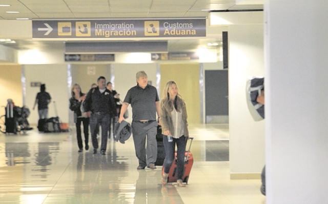 Pasajeros han mostrado su inconformidad por el trato en el Aeropuerto. (Foto: Hemeroteca PL)