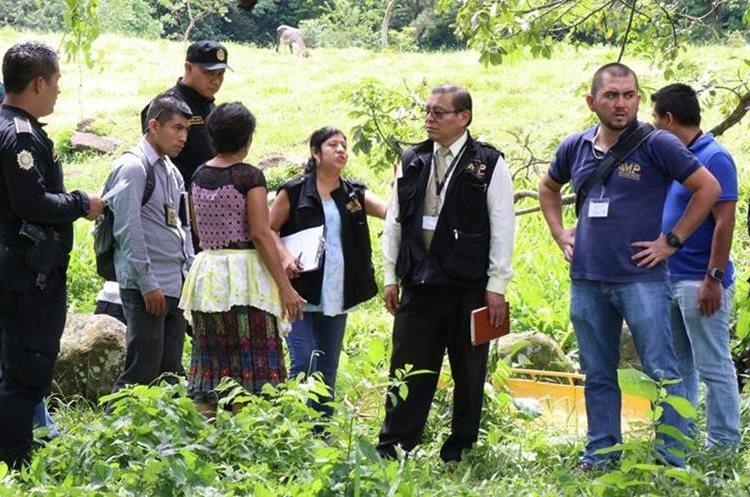 Familiares y amigos del sacerdote desconocen las causas del ataque. (Foto Prensa Libre: Cristian I. Soto)