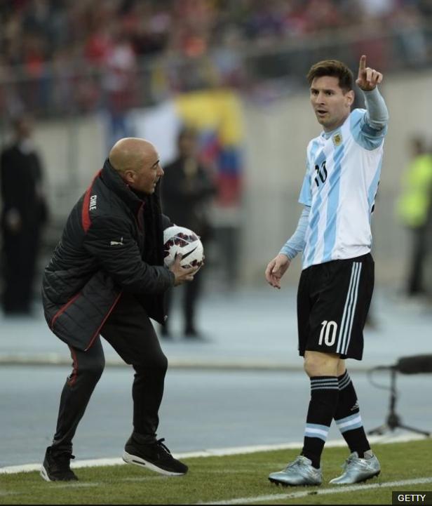 La principal misión: crear un equipo que gire alrededor de Messi, pero con mucho equilibrio en el mediocampo.