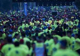 Colorido y alegría en carrera 10K nocturna.