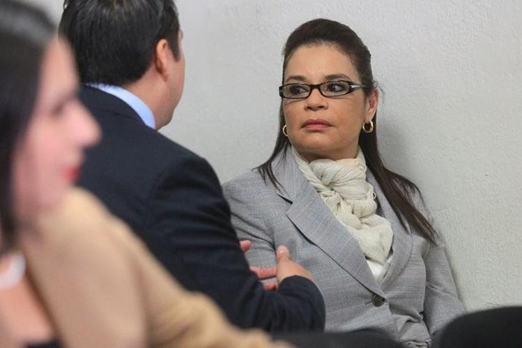 Roxana Baldetti en el Juzgado de Villa Nueva. (Foto Prensa Libre: Álvaro Interiano)
