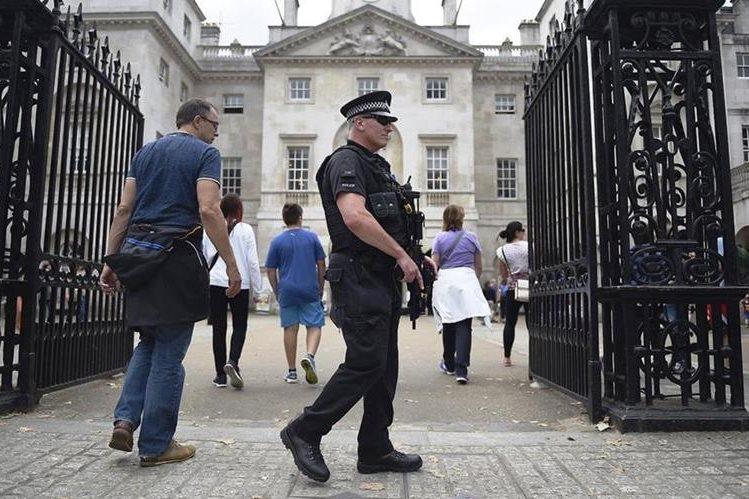 El gobierno de Inglaterra busca reducir costos por desempleo.